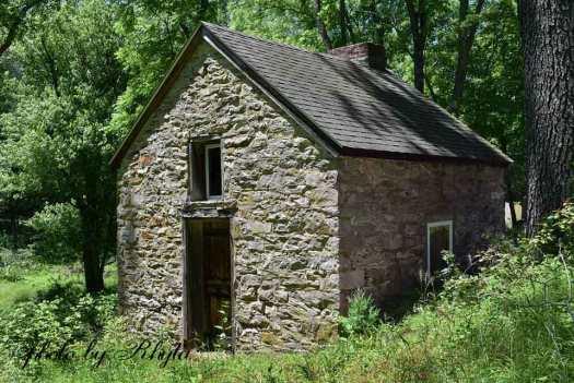 springhouse-a-web