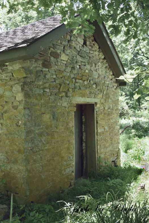 springhouses-l-web